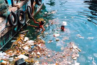 terjadi lantaran masuknya atau dimasukannya makhluk hidup Bahaya dan Ciri Pencemaran Air
