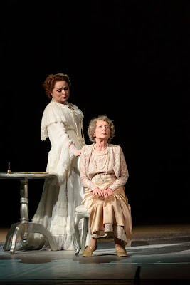 Strauss: Der Rosenkavalier - Rebecca Evans, Margaret Baiton - WNO 2017 (photo Bill Cooper)