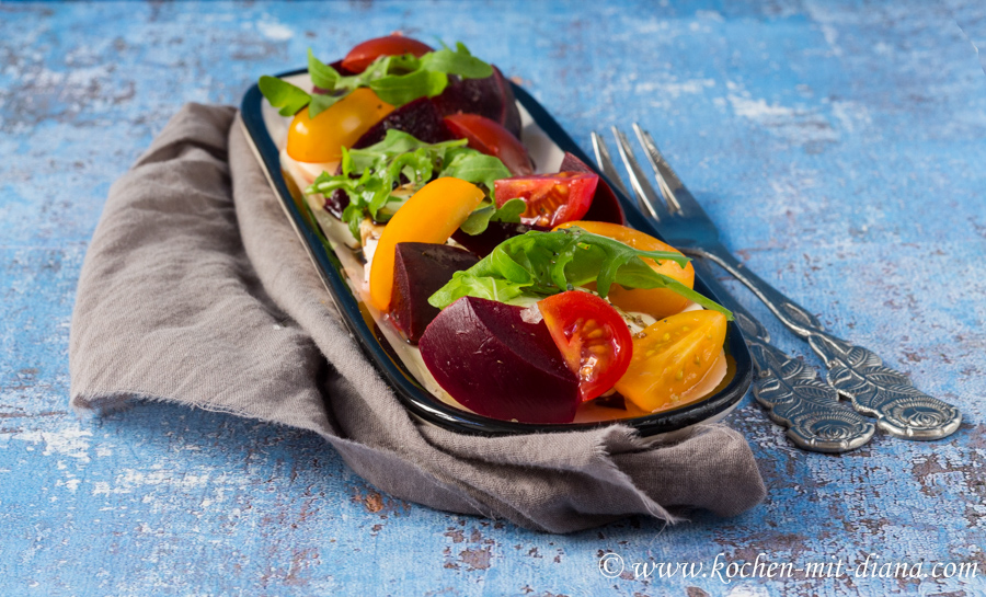 Rote Beete-Mozarella-Tomaten Salat