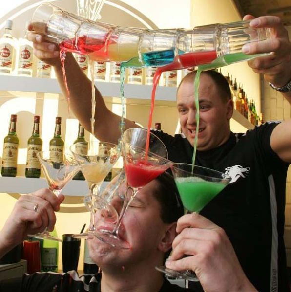 Hilarious Drinks In Party Fails