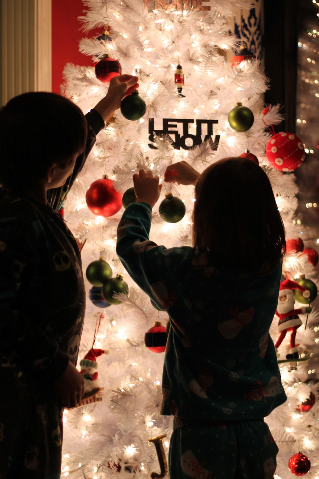 then after they went to bed i did a little not much rearranging i mean one branch doesnt really need 10 ornaments on it does it - When Did White Christmas Come Out