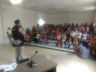 Em São Vicente do Seridó, Conselho Tutelar e Polícia Militar realizam palestras com alunos da rede municipal