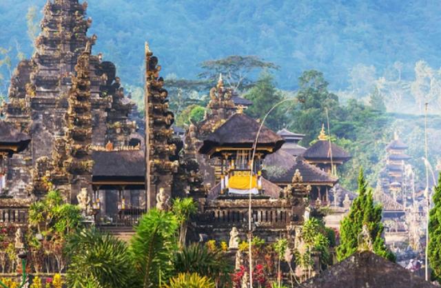 Jelajahi Kuil di Bali
