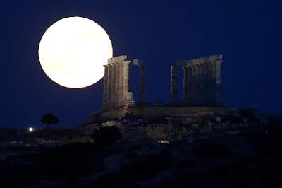 Οι αρχαίοι Έλληνες έχτιζαν σκοπίμως ναούς στις περιοχές των σεισμικών ρηγμάτων, υποστηρίζει Βρετανός επιστήμονας