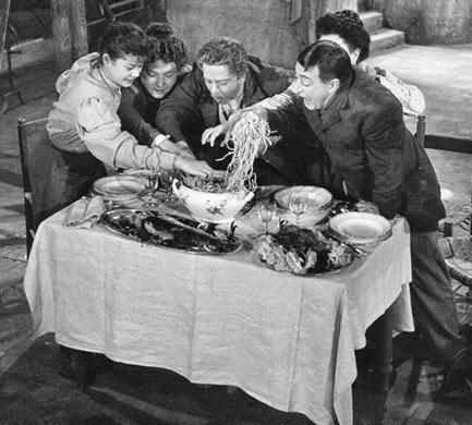 Miseria e nobiltà-La spaghettata