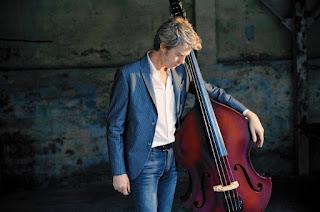 Kyle Eastwood inaugura el Festival de Jazz de Oviedo - España / stereojazz