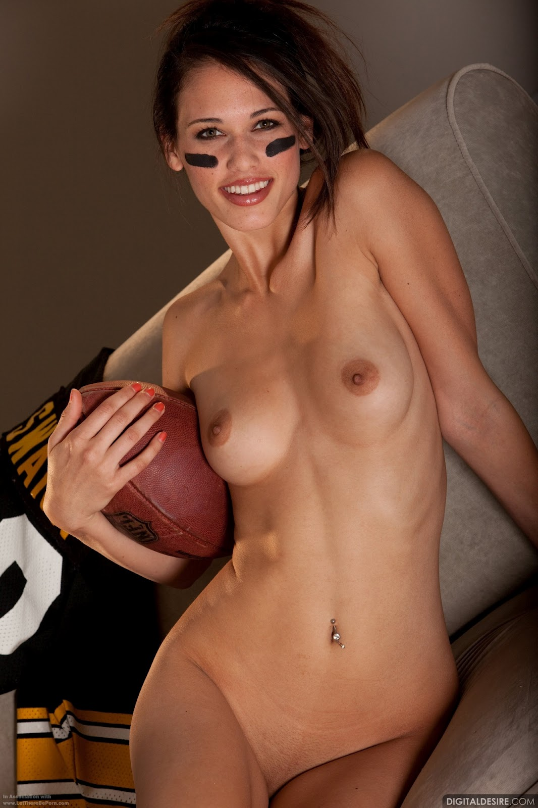 Nude Superbowl 99