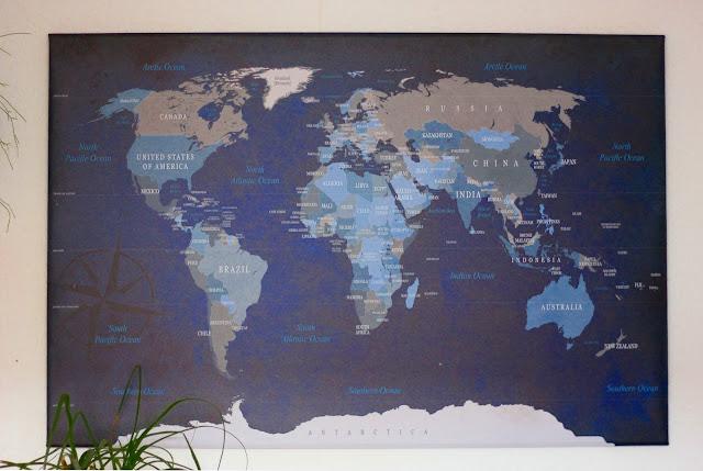 Pinnwand mit Weltkarte von bimago.de