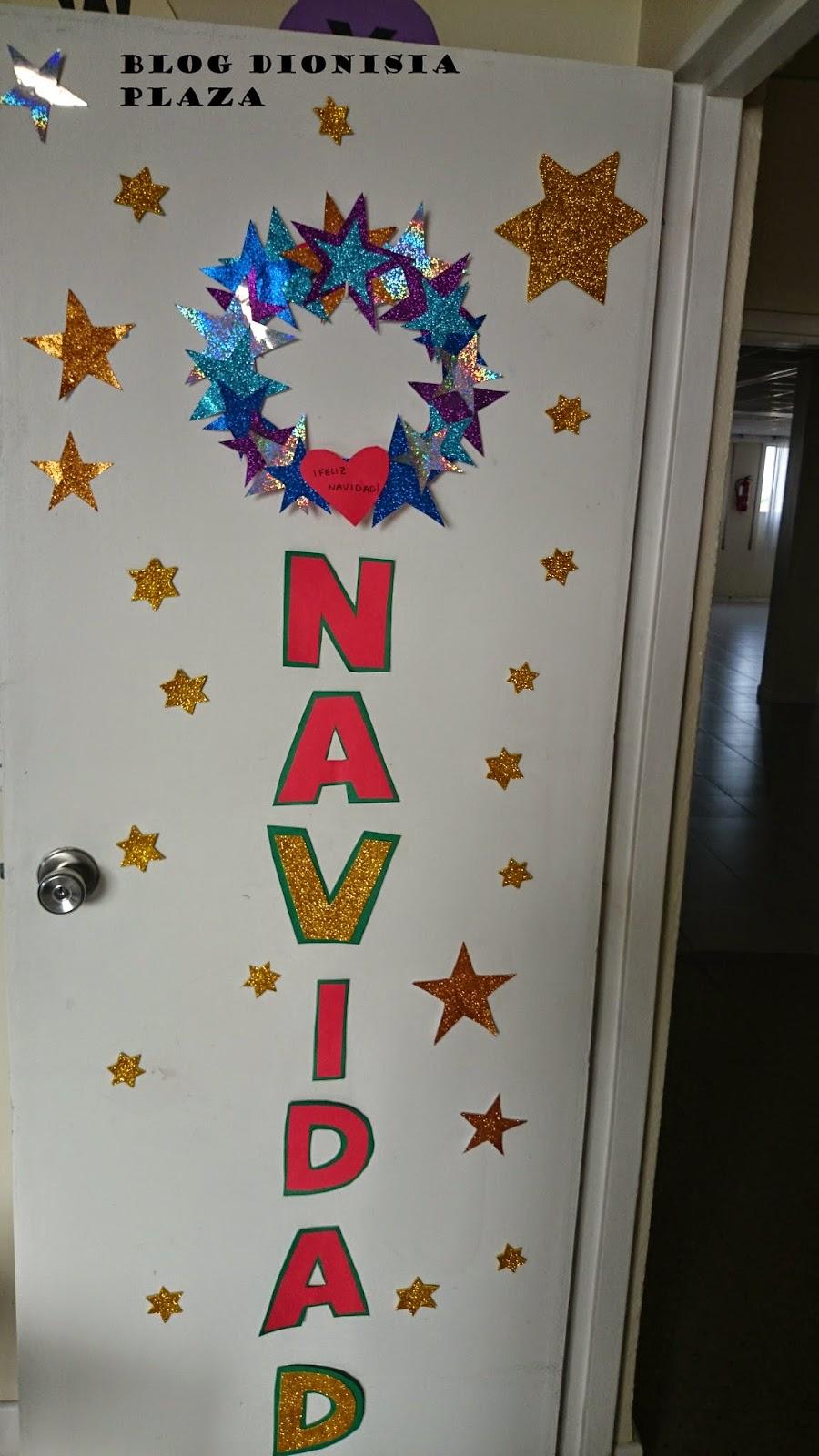 Adornos navidenos con material reciclado de hospital las for Puertas decoradas navidad material reciclable