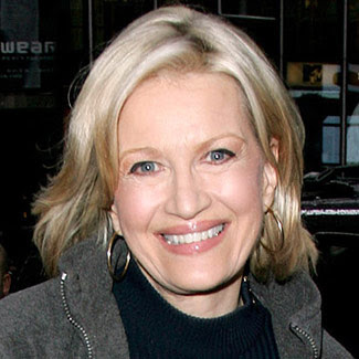 Diane Sawyer - did she get plastic surgery? (image hosted by divadebbi.blogspot.com)