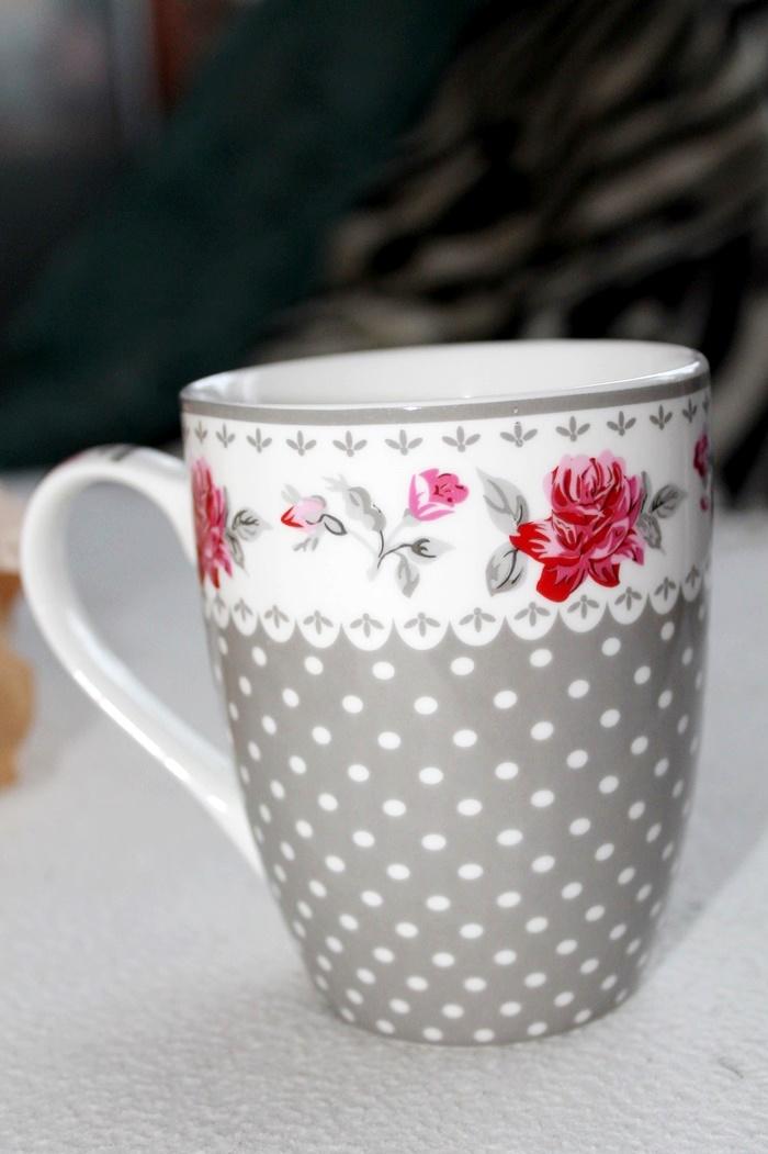 kubek z motywem róż