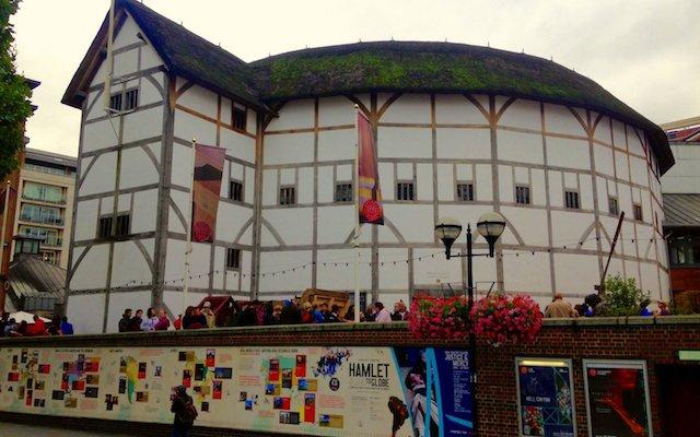Entrada do Teatro de Shakespeare