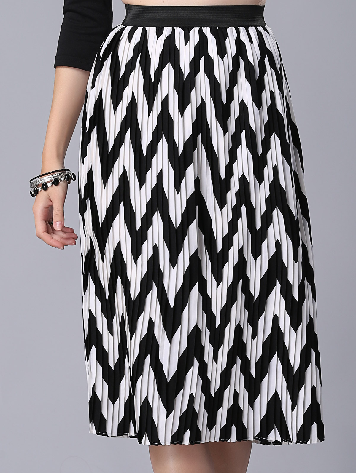 High Waist Zig Zag Pattern Skirt - White And Black