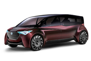 Toyota Fine-Comfort Ride Concept (2017) Front Side