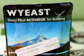 A pack of Wyeast Oud Bruin Blend.
