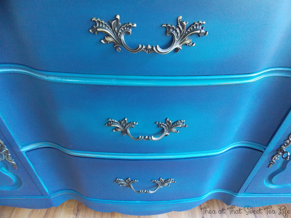 Blue Painted Furniture: Your Blended Paint Inspiration by That Sweet Tea Life | French Provincial Hardware | Shaded Furniture| How to create a blended Paint Furniture Finish | Blended Painted Furniture Ideas | Furniture Painting Tips | How to paint Furniture | Blending Blue Furniture Makeover | Layered Paint | Blended Painting | Dresser Makeover | Furniture DIY | #paintblending | #blendedpaintfinish | #blendedfurniturepaint