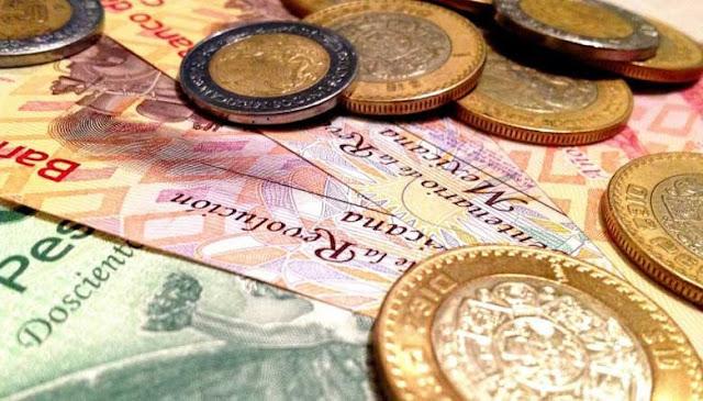 Peso mexicano y bolsas se hunden
