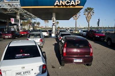 Hoy seguirán problemas con abasto de combustible en estaciones de servicio