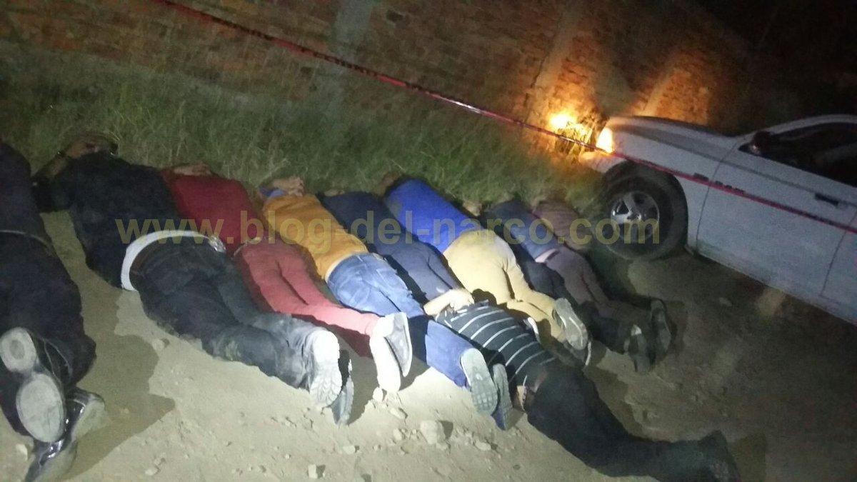 """Soldados detienen a 10 """"Sicarios"""" del CJNG que llevaban 6 ejecutados en camionetas"""