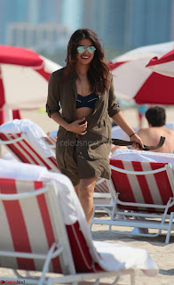 Priyanka Chopra in Wet Bikini Enyoing Summer of Miami 12th May 2017 ~  Exclusive 09.jpg