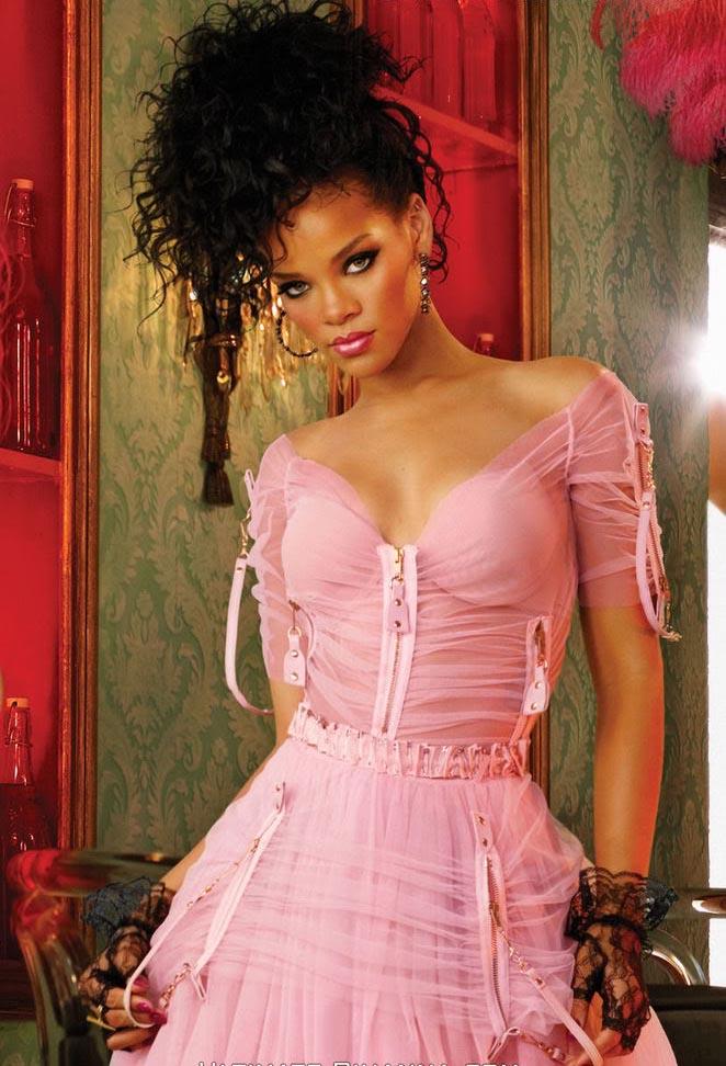 Celeb Pic: Rihanna Hot gallery