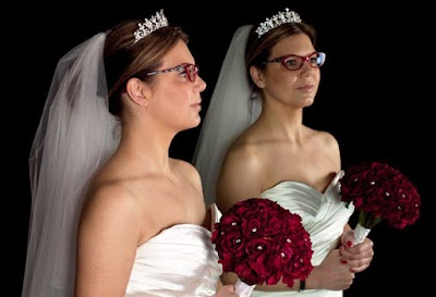 Tips Yang Wajib Dicoba Untuk Pengantin Berkacamata