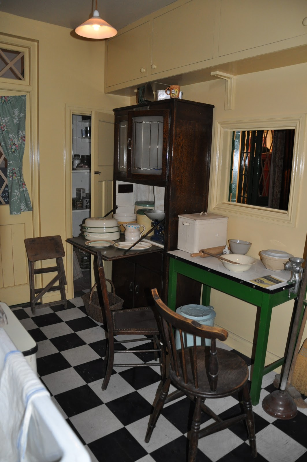 Cats Dogs And Eiderdowns The 1940 S House Imperial War