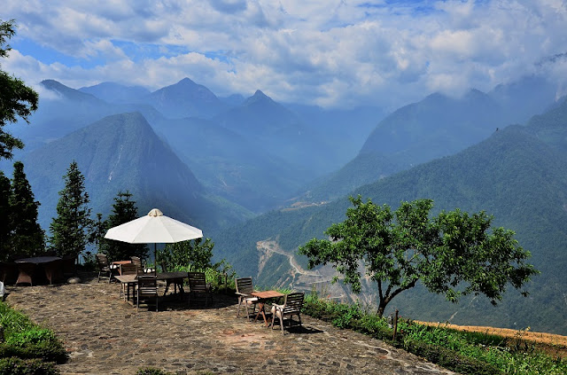 "Relax with the unique ""pool on the mountain"" in Sapa 1"