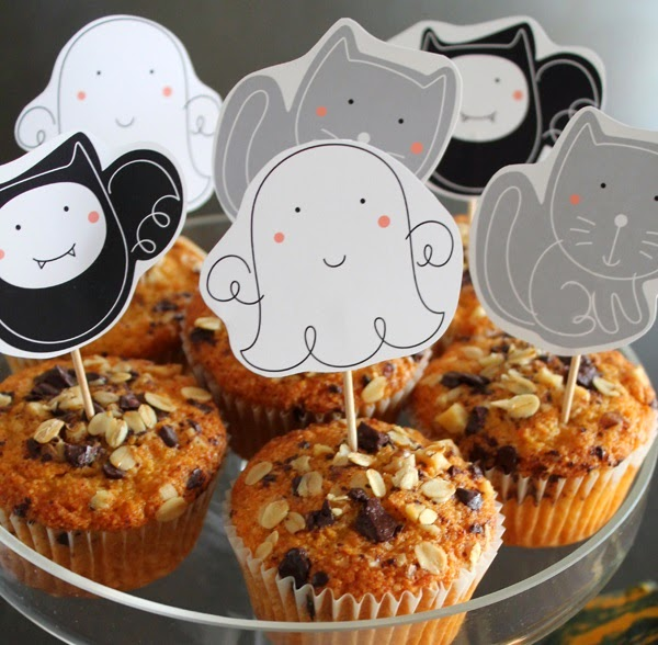 So Sweet Halloween Free Printable Toppers.
