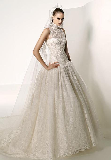713adcf9ff5 I am a Woman in Love  Beauty   Style  Wedding dresses for short women