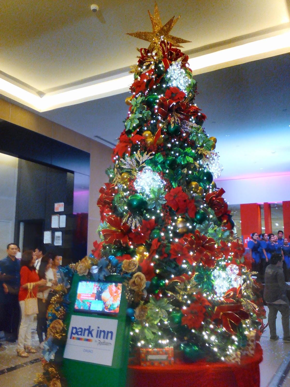 Lovin' Davao: Park Inn Hotel Lights Up Christmas Tree