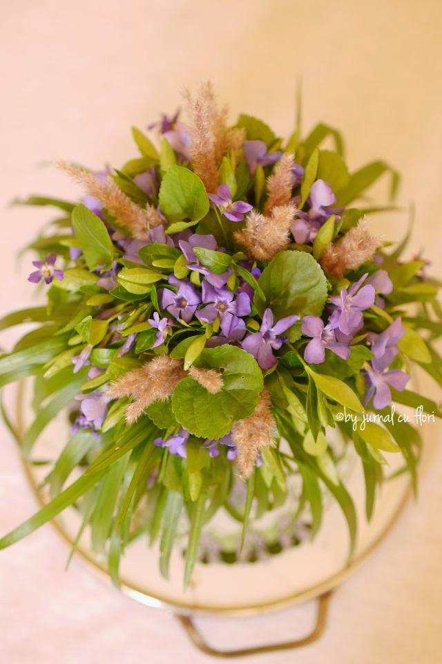 wild  spring flower bouquet buchet vintage rustic cu flori salbatice de primavara Transylvania