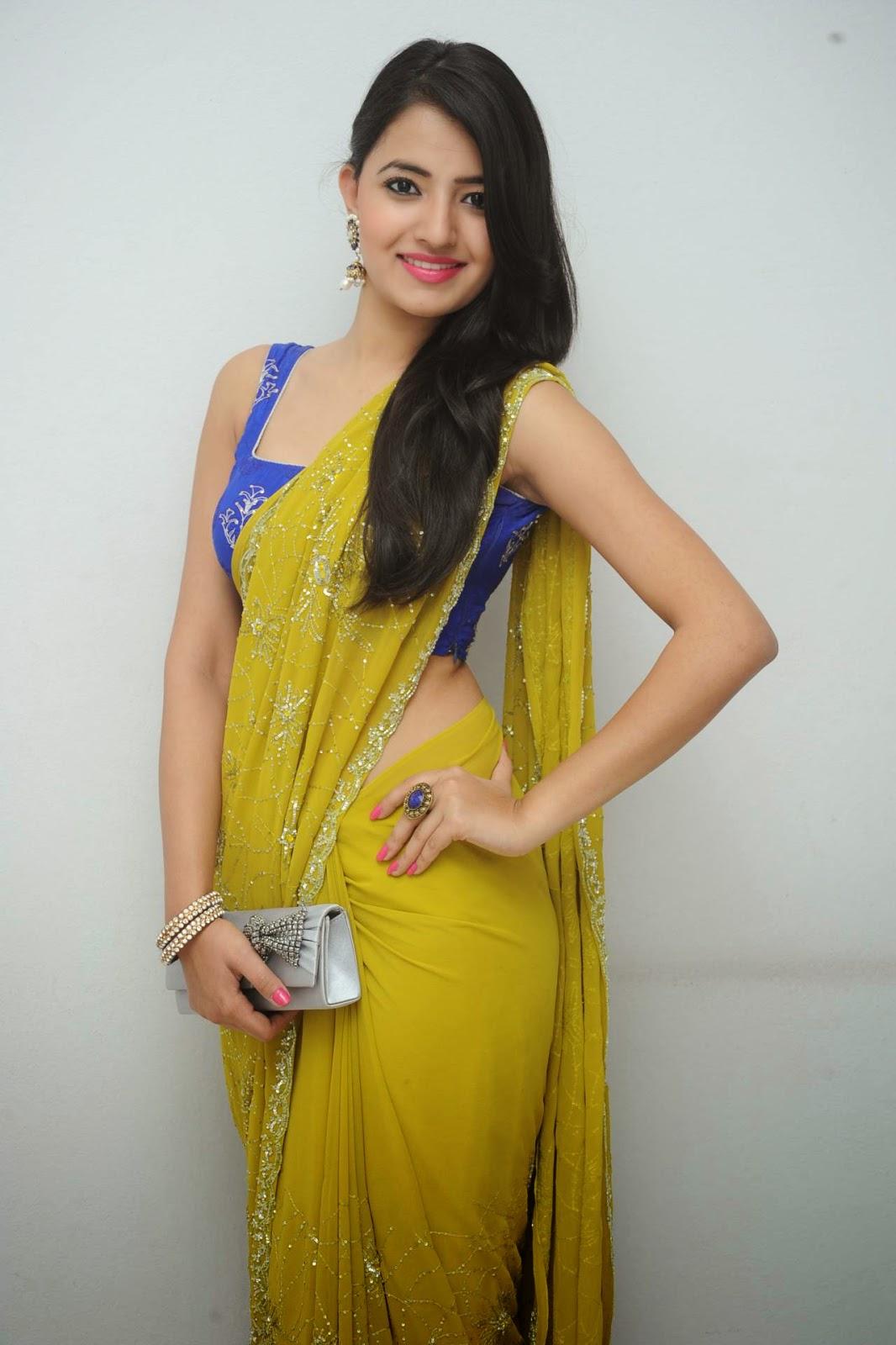 Indian Cute Girl Wallpaper Ruksha Meer Photos At Maaya Chitra Hd Latest Tamil