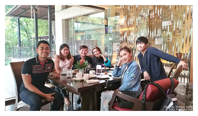 CBS Bloggers enjoying the 250 promo for Coffee and Cake in Cebu City Marriott Hotel