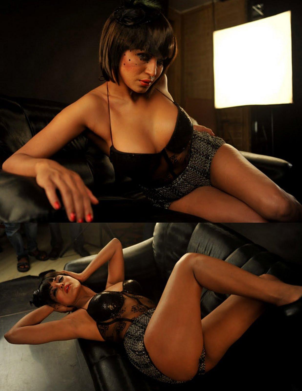 Veena Malik Hot Pics  Search India-2065