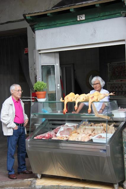 porto market chickens