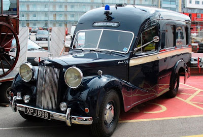 Austin Sheerline A125 classic ambulance in the early 50s