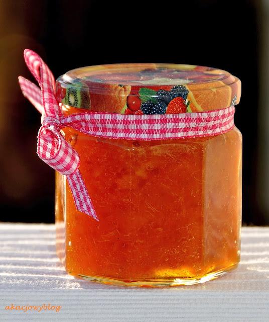 Konfitura pomarańczowa z kardamonem i tonką.