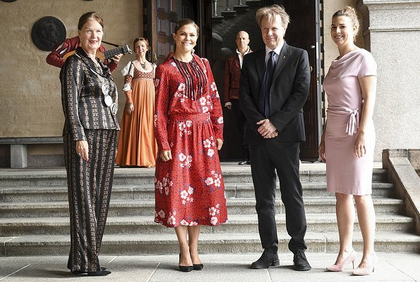 Crown Princess Victoria wore Gant Fashion red floral dress, Ralph Lauren Suede Pumps, Valentino Shoulder Bag