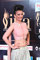 Akshara Haasan in Peachy Crop Top Choli Skirt at IIFA Utsavam Awards 008.JPG