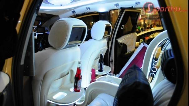 Modifikasi Mobil dan Motor: Honda Jazz '10 : Perpaduan Minibar