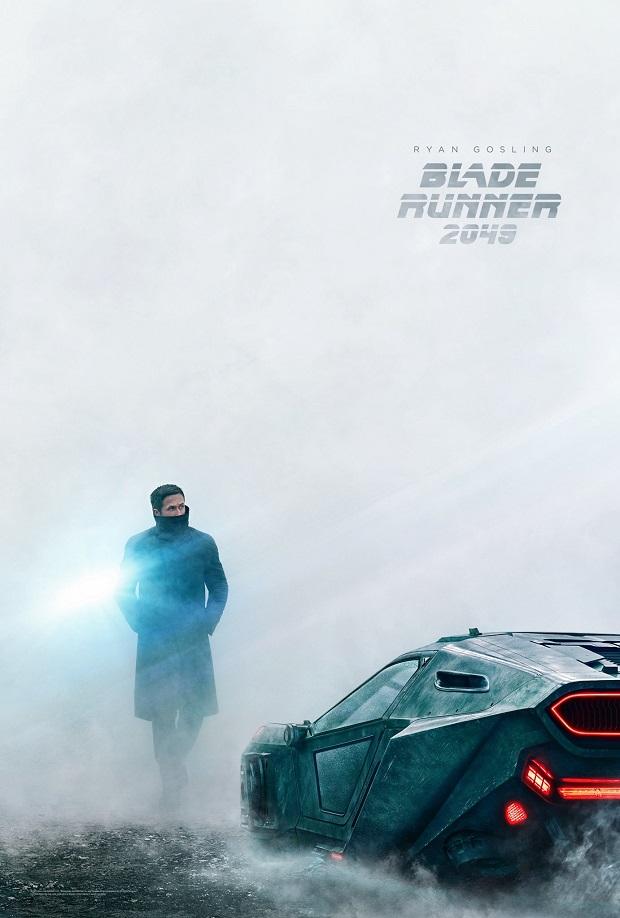 Той, хто біжить по лезу 2049 постер 2