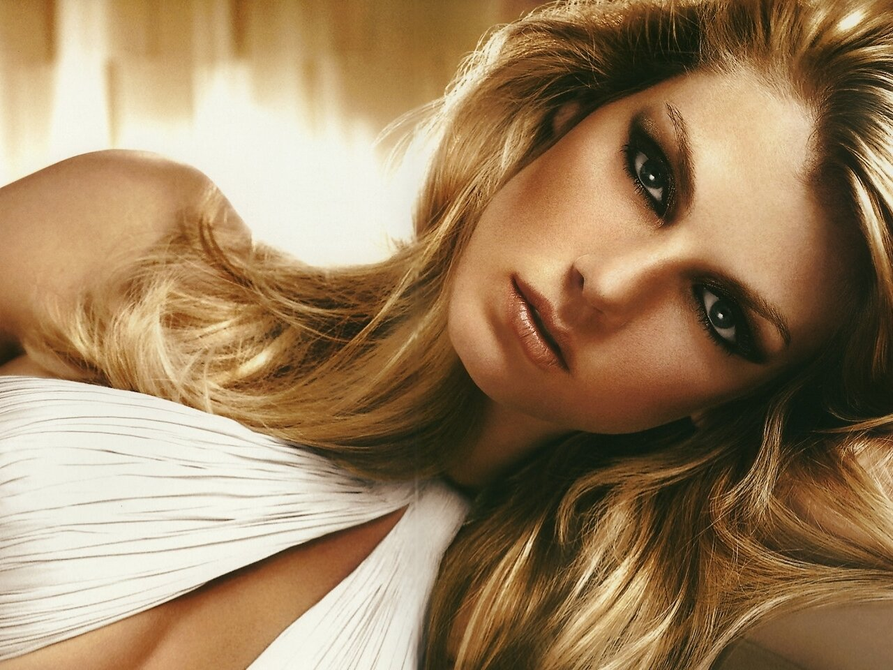 facebo angela lindvall born - HD 1280×960