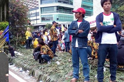 Massa Pendukung Aksi 412 Kecewa Karena Dijanjikan 150 Ribu, Cuma Diberi 50 Ribu