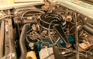 1966 Cadillac Eldorado Cabriolet Green Engine 02