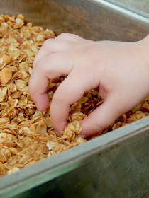 Crunchy Peanut Butter Granola...hey peanut butter lovers this one is for you!  Chopped pecans and cashews plus melted peanut butter make this granola incredible! (sweetandsavoryfood.com)