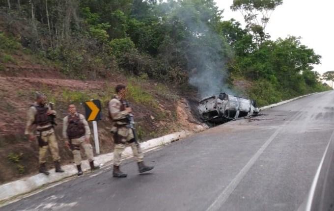 Cinco assaltantes de banco morrem em confronto com a polícia na Bahia
