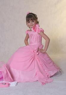 فساتين اطفال للفتيات الصغيرات ، مجموعة صور لفساتين الاطفال وملابس الاطفال للبنات 2020