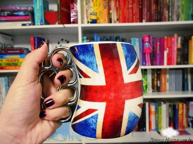 Caneca com estampa britânica