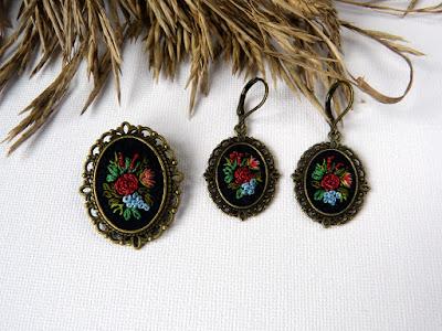 handmade jewerly, embroidered brooch, vintage jewerly, biżuteria retro, haft na lnie, kolczyki wyszywane,